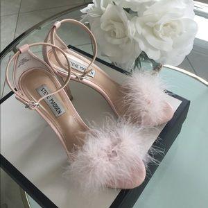 Steve Madden pink fluffy heels 💞